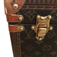 Louis Vuitton Cosmetic case from Monogram Canvas