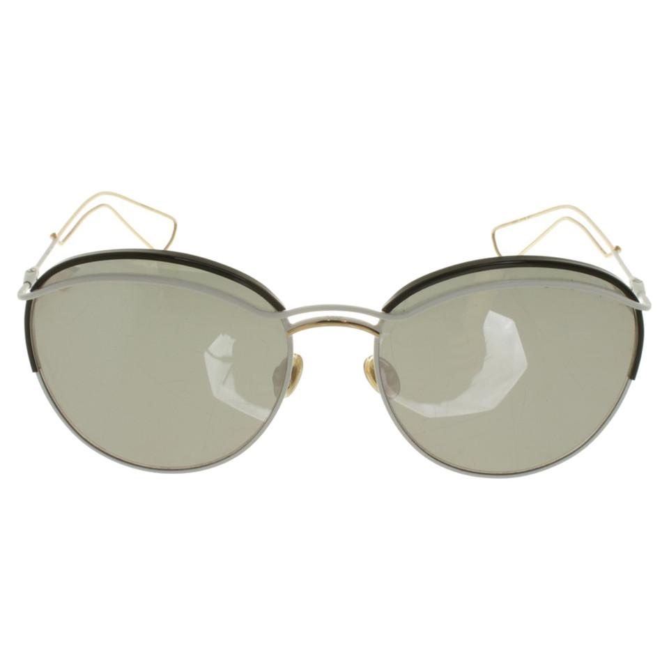 Christian dior lunettes de soleil avec des verres miroir for Lunette de soleil avec verre miroir