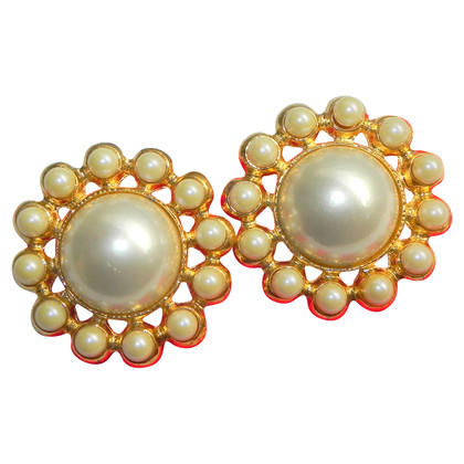 Escada Vintage clip earrings