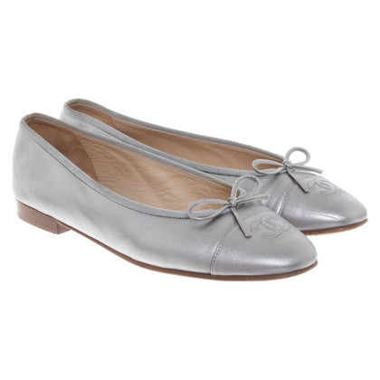 Chanel Ballerinas in Silber