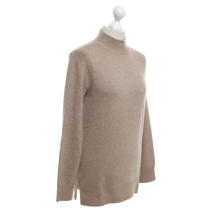 Closed Pullover in Braun