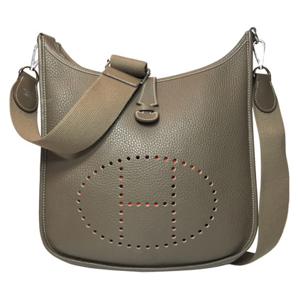 "Hermès ""Evelyne III"" van Clemence Leather"