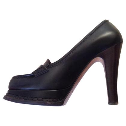 Yves Saint Laurent leather shoes