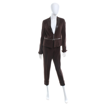 St. Emile Sportive suit in brown