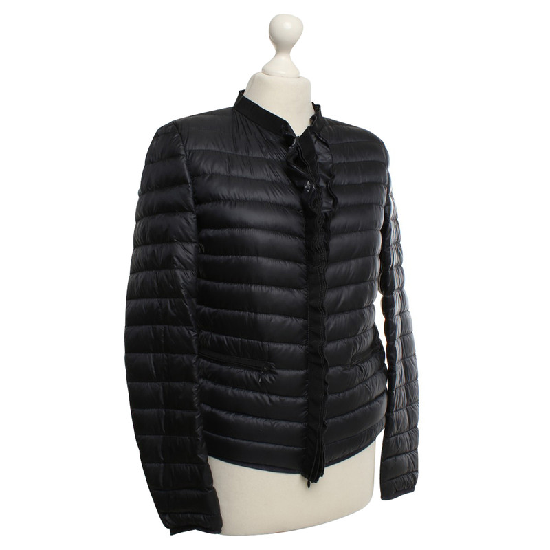 moncler outlet store locations uk
