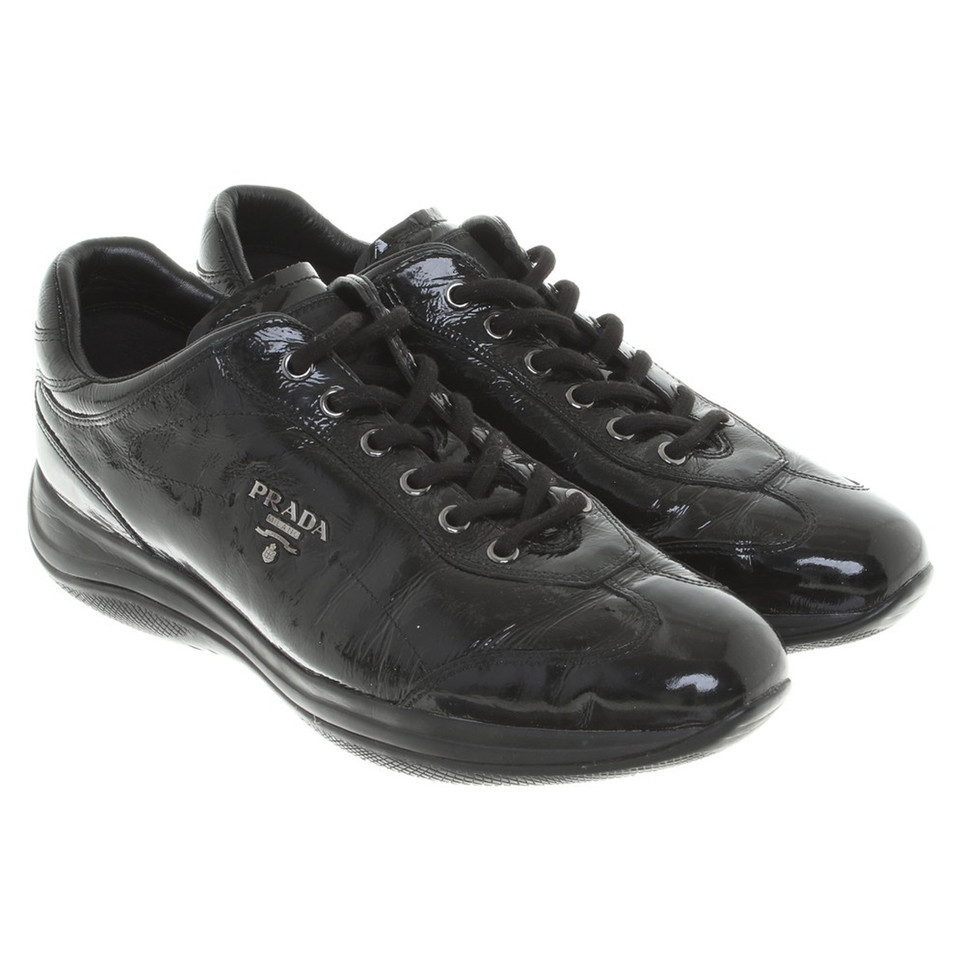 prada sneakers aus lackleder second hand prada sneakers aus lackleder gebraucht kaufen f r 115. Black Bedroom Furniture Sets. Home Design Ideas