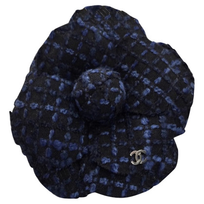 Chanel Broche camélia en tweed