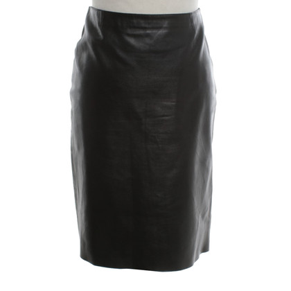Prada Leather skirt in black