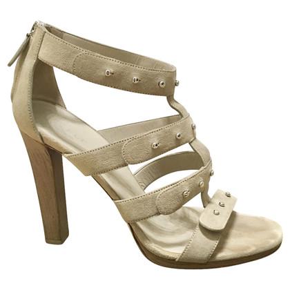 Gucci Beige suede sandales