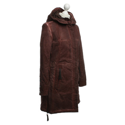 Preach Guardare il logoro cappotto con cappuccio