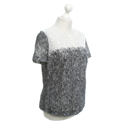 Escada T-shirt in black and white