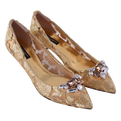 Dolce & Gabbana pumps lace with crystal brooch