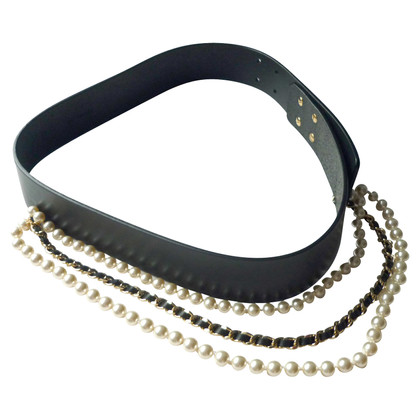 Chanel Leather belt with beads / chains