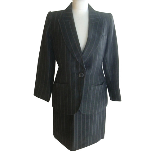 e2be0873a09 Yves Saint Laurent Suit Linen in Grey - Second Hand Yves Saint ...