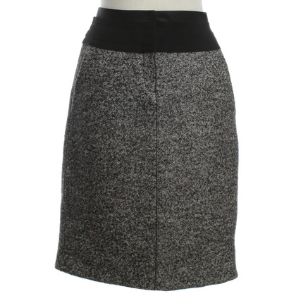Schumacher skirt in black and white