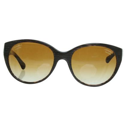 Chanel Occhiali da sole marrone con dettagli