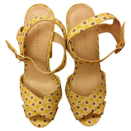 Kurt Geiger Yellow plateau sandals with flower pattern