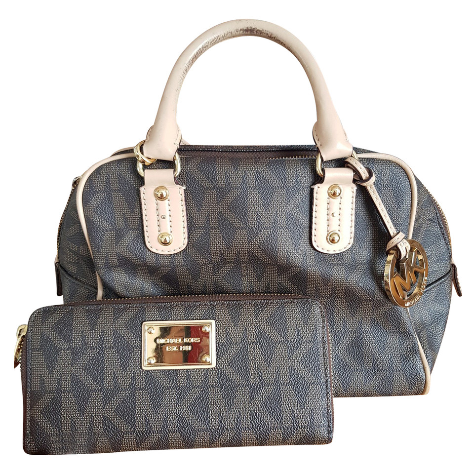 Michael Kors Bags for Women | PoshmarkPosh Protect · day priority shipping · Fashion at 70% off.