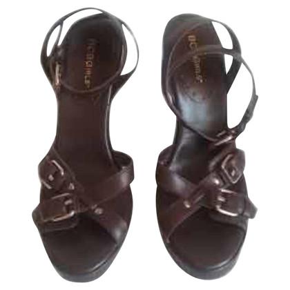 Max Azria sandales
