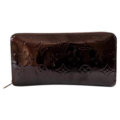 "Louis Vuitton ""Zippy Amarante Monogram Vernis"""