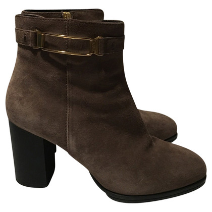Tod's Suede ankle boots in taupe