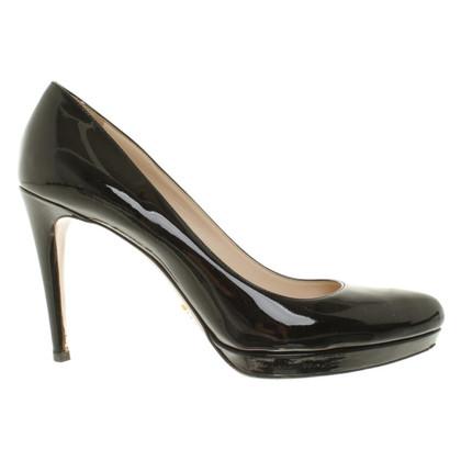 Prada pumps patent leather