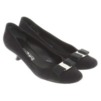 Salvatore Ferragamo pumps in black
