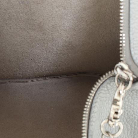 Coccinelle Umhängetasche in Silber Silbern Spielraum Erhalten Zu Kaufen Echt Billig Verkauf Extrem Verkauf Eastbay I864f4