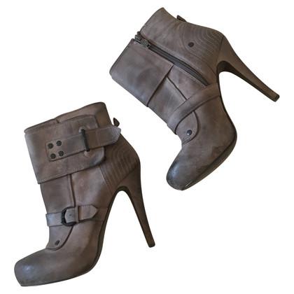Ash bottes
