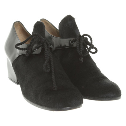 Yves Saint Laurent pumps in zwart