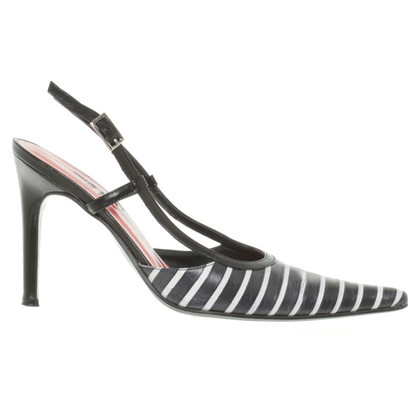 Ferre pumps in black and white