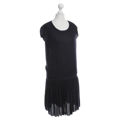 Set Dress in dark blue