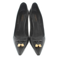 Louis Vuitton pumps made of leather