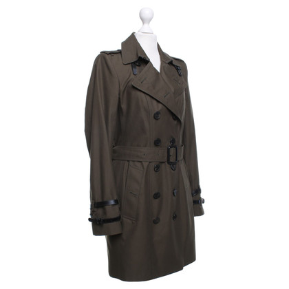 Burberry Trench in oliva