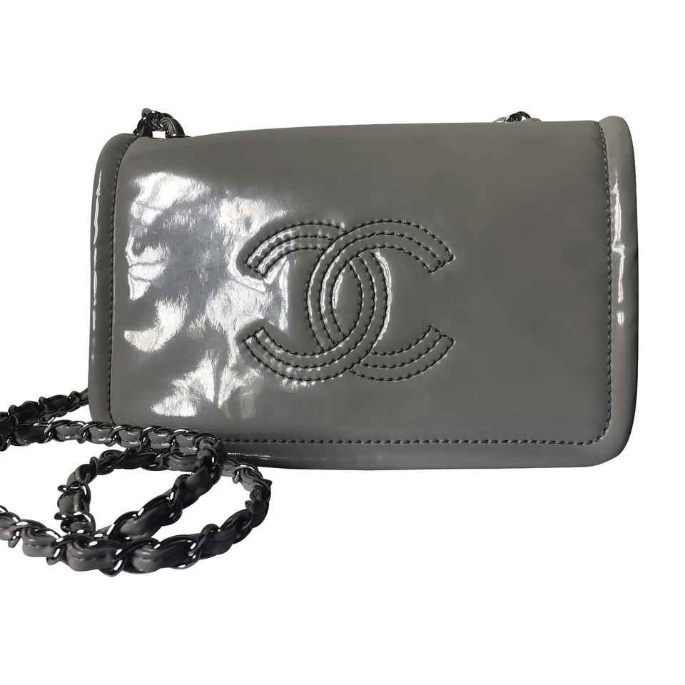 Chanel Portefeuille sur chaîne WOC