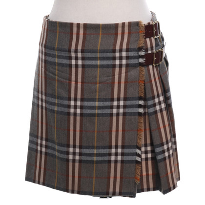 Burberry Wrap skirt with Nova check pattern