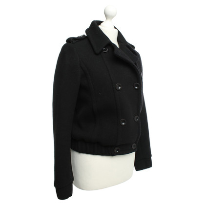 Closed Jacket in Black