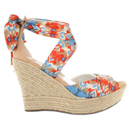 UGG Australia Wedge Sandals in Bunt