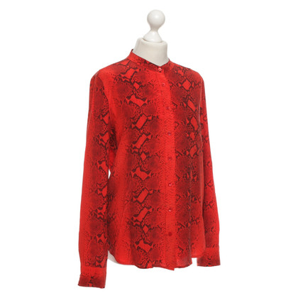 Equipment Silk blouse with pattern