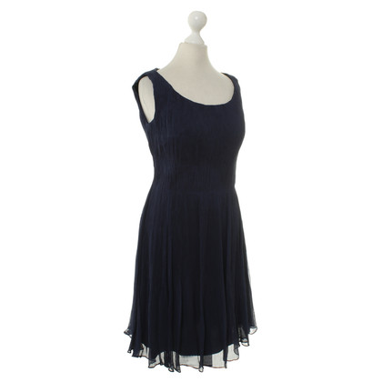 Elie Tahari Pleated dress in blue