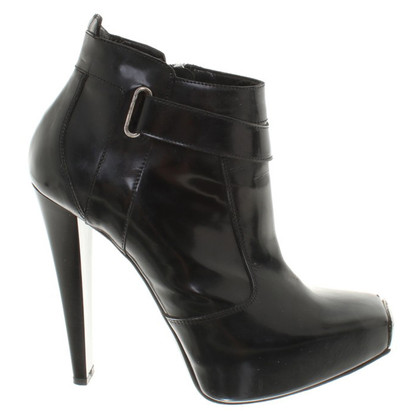 Gianmarco Lorenzi Ankle boots with hardware
