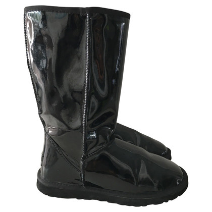 UGG Australia Boots made of patent leather