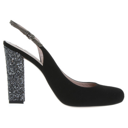 Pura Lopez Suede Pumps in black