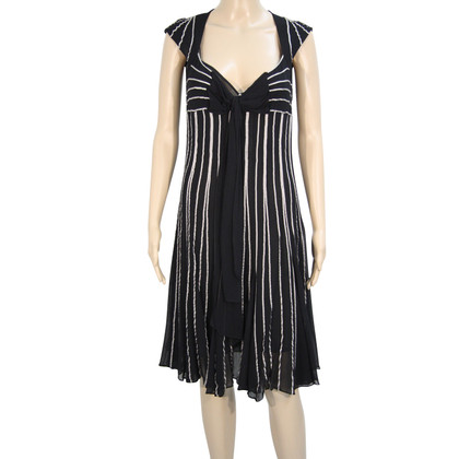 Karen Millen Gestreepte jurk in zwart