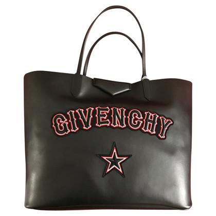 "Givenchy ""Les consommateurs Antigona Large"""
