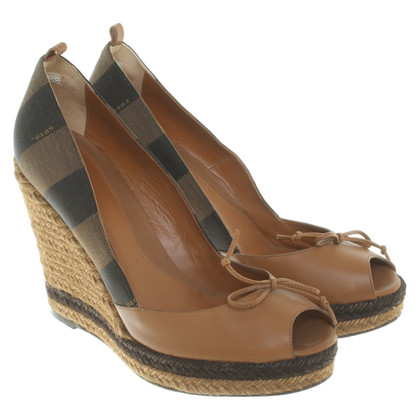 Fendi Wedges in brown