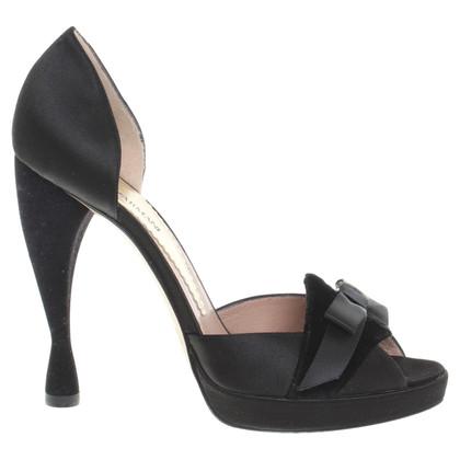 Armani Peep-dita dei piedi in nero