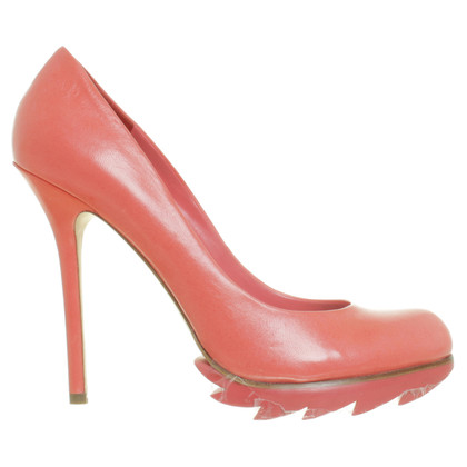 Camilla Skovgaard Peep toe pumps in coral