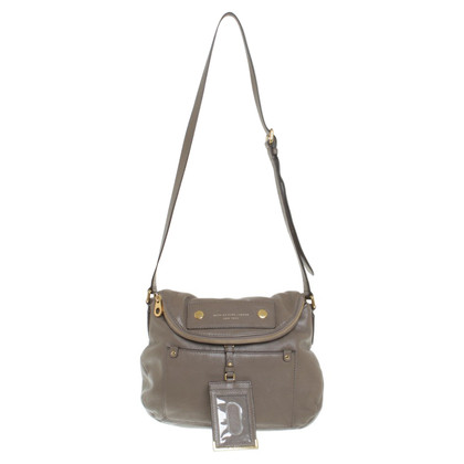 Marc by Marc Jacobs Umhängetasche in Taupe