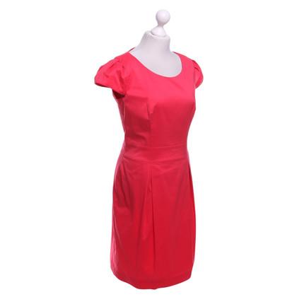 Hugo Boss Kleid in Korallrot